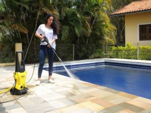 Limpiar piscina con karcher