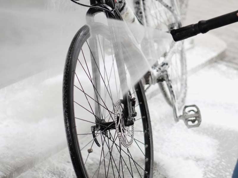 Limpiar bicicleta con hidrolimpiadora